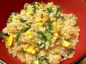 唐揚げと小松菜の炒飯