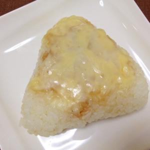 しょうゆが香ばしい☆焼きチーズおにぎり