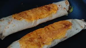 チーズとレタスのトルティーヤ