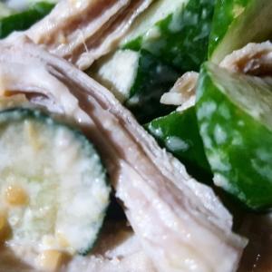 鶏ささみとキュウリの味噌マヨネーズ和え