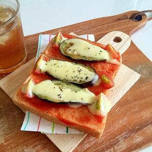 ナスとトマトのピザトースト風スティックサンド♪