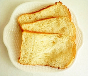 HB ホエイでふっくら ふわふわ食パン