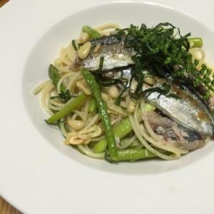 秋刀魚とアスパラのオイルパスタ