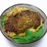 きゅうりのキューちゃん混ぜご飯のカツ丼