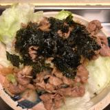 お口の中は焼肉屋さん♪ピリ辛焼肉♪韓国海苔のせ♪