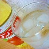 蒸し暑い時には爽やか~リンゴ酢ハニーソーダ♪