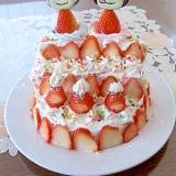 手抜きだけど・・・可愛いひな壇ケーキ♡