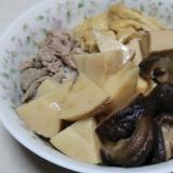 筍と椎茸と高野豆腐と豚肉と油揚げの煮物☆