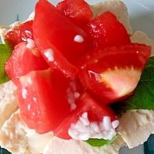 崩し豆腐とトマトの簡単ヘルシー塩麹漬け