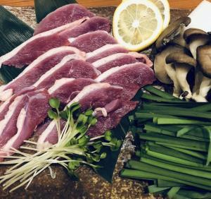 【鴨料理】鴨肉のしゃふしゃぶ