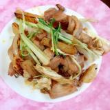 キャベツと水菜と玉ねぎとじゃがいもと豚肉炒め