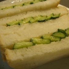 シンプル胡瓜サンド