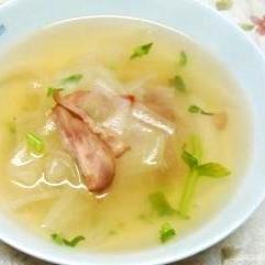 スライス大根のスープ