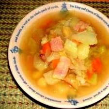ひよこ豆入り具だくさんスープ