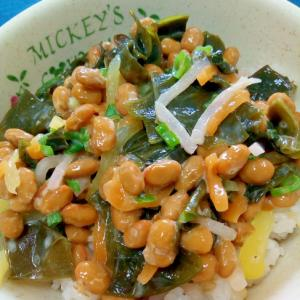 納豆の食べ方-わかめ&大根漬物♪