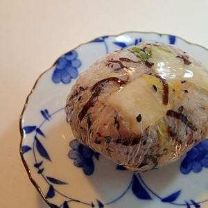 白菜漬け・昆布佃煮・黒胡麻・ゆかりのおにぎり