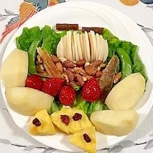 グリーンチーズ、いちごのおつまみサラダ