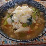 タラと小松菜の卵とじ煮込みうどん