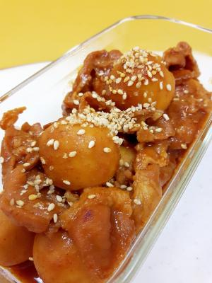 簡単おつまみ!(^^)豚肉と冷凍里芋のピリ辛煮♪
