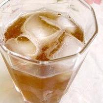 簡単シュワシュワ☆優しい味のメープルほうじ茶ソーダ