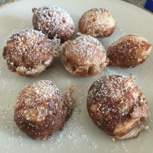 オランダの郷土菓子ポッフェルチェス