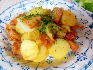 チキンとジャガイモ、キャベツのカレー風味蒸し