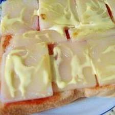 餅なだけに【腹もち】するトースト
