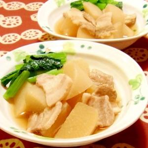 豚ばらと大根の煮物 小松菜添え