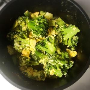 簡単!ブロッコリー の卵マヨ炒め