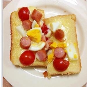 トマトと卵のトースト