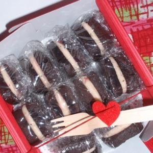ホワイトチョコトリュフのココアクッキーサンド