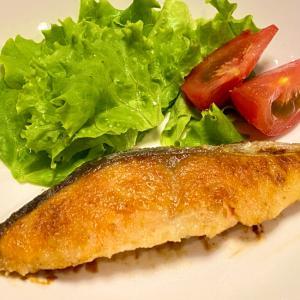 簡単!にんにく醤油 de 鮭のムニエル