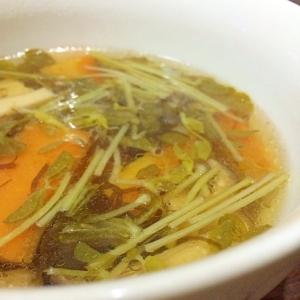 野菜ともずくのスープ