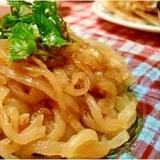 中華クラゲの冷菜と特製黒酢ダレ