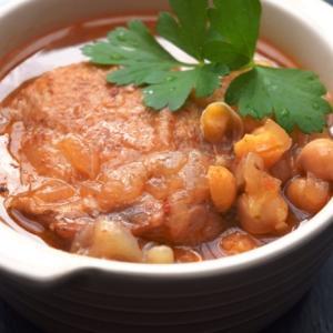 スロークッカーでつくる鶏とひよこ豆の煮込み