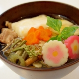 具だくさん♪北海道の鶏ガラスープが美味なお雑煮