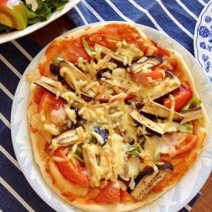 夏野菜たっぷりのピザ