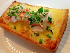 辛子マヨで シーサラダと小葱と生姜のトースト♬