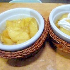 林檎のバター炒め・ホイップクリーム添
