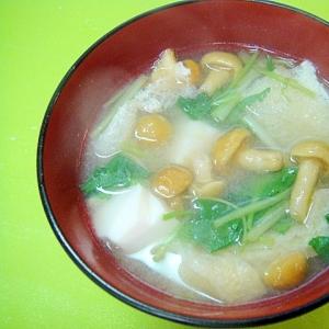 なめこと豆腐みつ葉の味噌汁