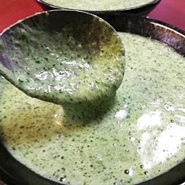 ネバネバ、モロヘイヤ牛乳スープ