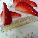 フルーチェで簡単+時短☆イチゴババロアケーキ