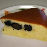 HMで簡単黒豆炊飯器ケーキ