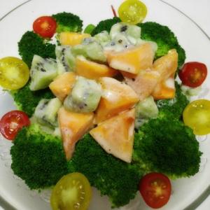 柿とキウイのヨーグルトサラダ