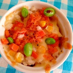 簡単!鮭&ミックスベジタブルのチーズドリア☆