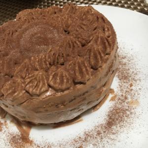アーモンド入り入り濃厚チョコケーキ
