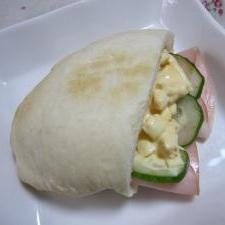 ♪自家製ピタパン(ポケットパン)で卵サンド♪