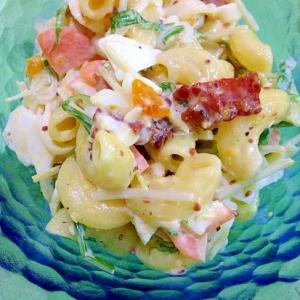 カリカリベーコンと水菜のマカロニサラダ♪