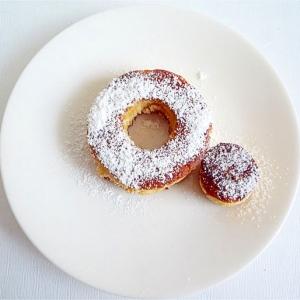 ホットケーキミックスで ドーナツ