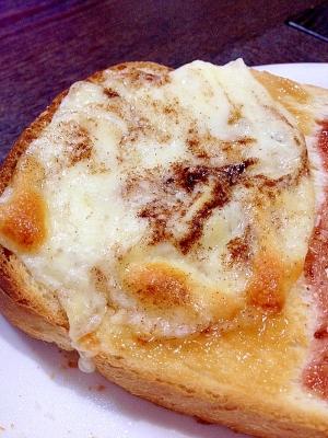 ピーナッツ☆チーズトースト